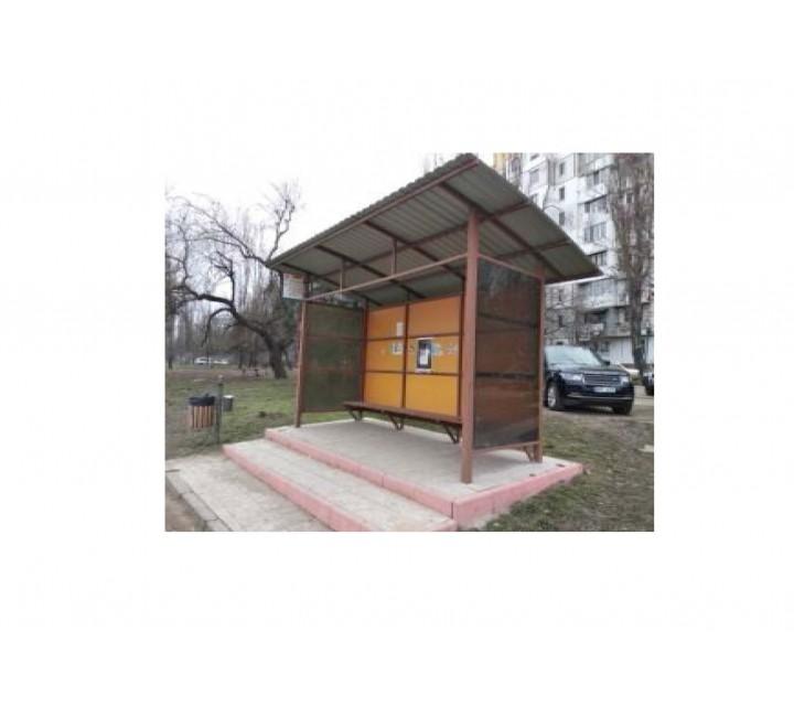 Staţii de aşteptare cu pereţii din policarbonat sau dibond